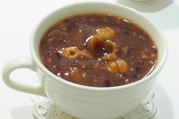 桂圆莲子杂粮粥的做法