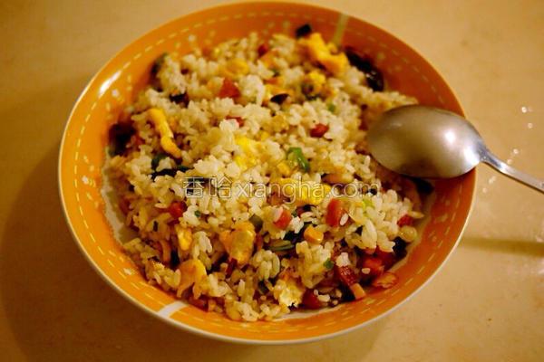 玉米火腿蛋炒饭的做法