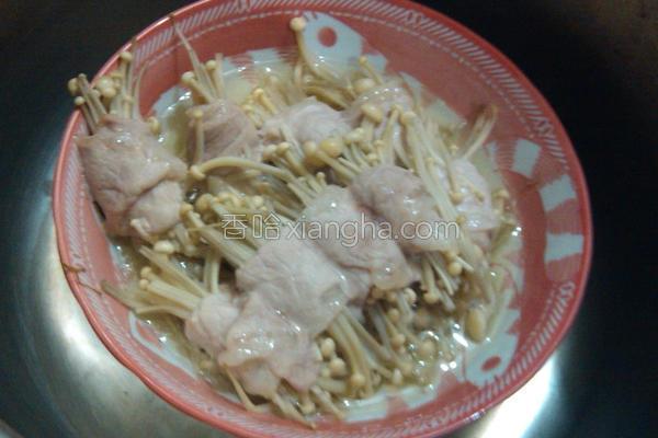 蒸金针菇肉串的做法