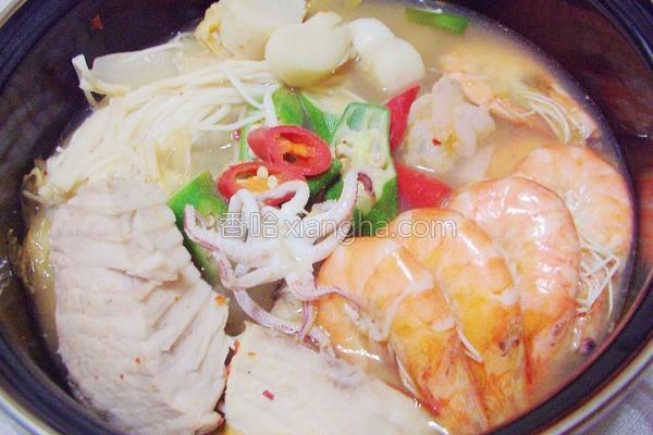 泡菜海鲜锅的做法