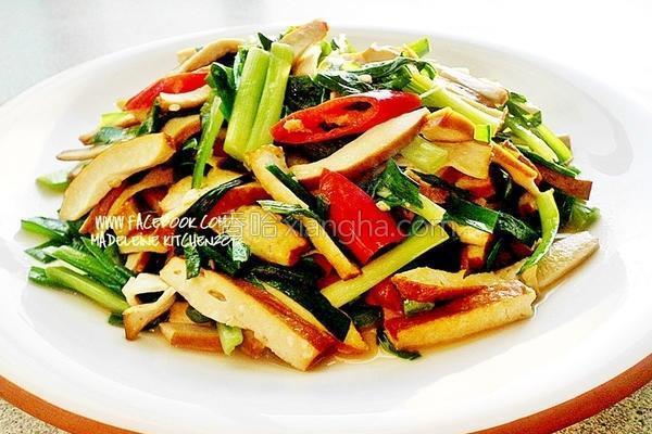 五香豆干炒韭菜的做法