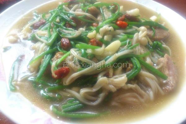 水莲炒针菇猪肉丝的做法