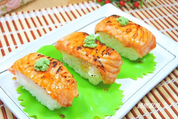 炙烧鲑鱼握寿司的做法