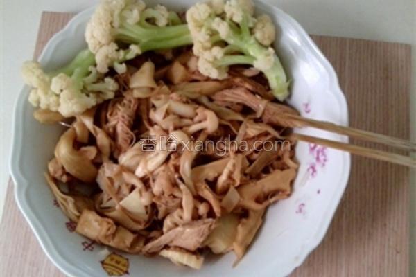 笋干煨菇的做法