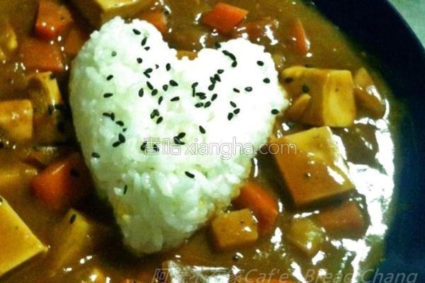 暖暖咖哩豆腐鸡的做法