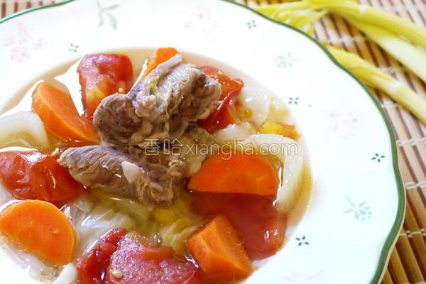 清炖鲜蔬牛肉汤的做法