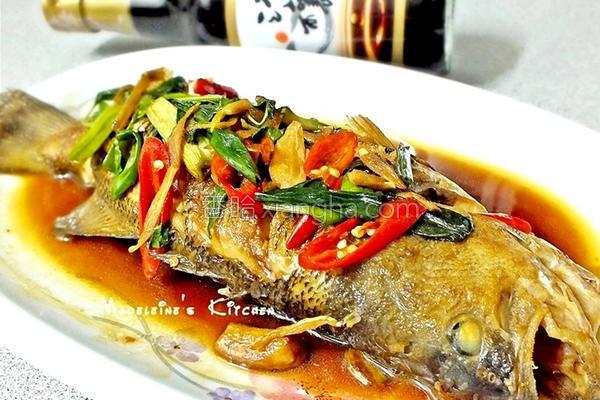 塔香红烧鱼的做法