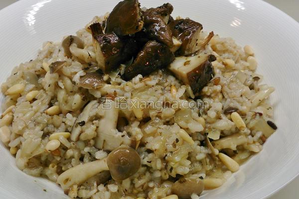 双菇松子炖饭的做法