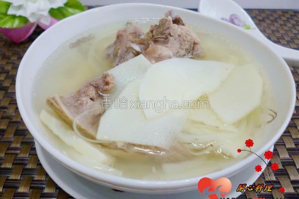 清炖排骨笋片汤的做法