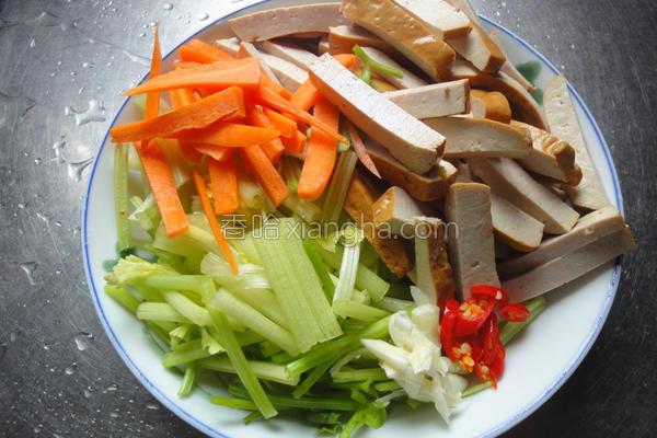 酱炒芹四季豆干的做法