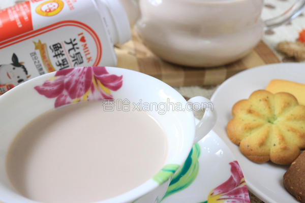 橙香巧克力鲜奶茶的做法