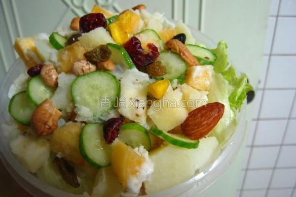 秋柿马铃薯沙拉的做法