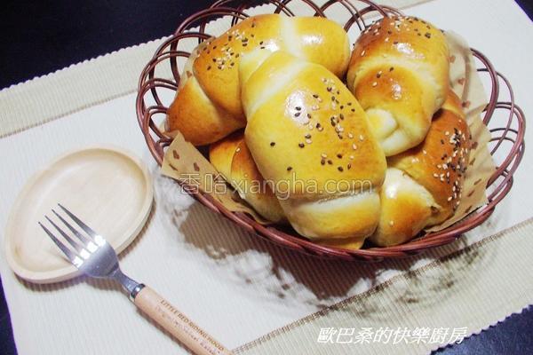 奶油肉松卷面包的做法