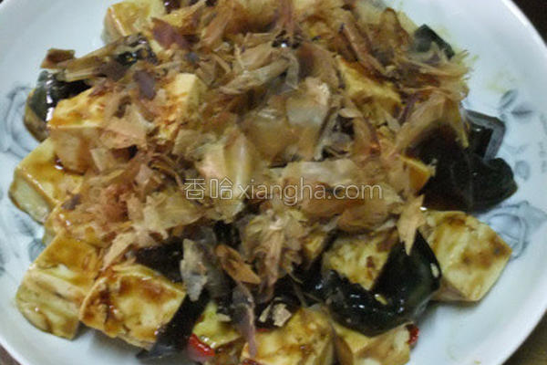 柴鱼皮蛋豆腐的做法