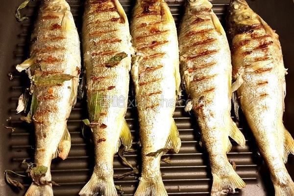香草香鱼的做法