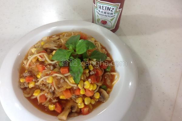 茄汁蘑菇肉酱炒面的做法