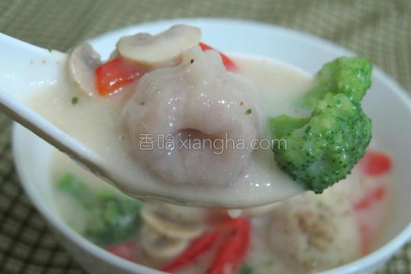 洋葱鱼饺巧达汤的做法