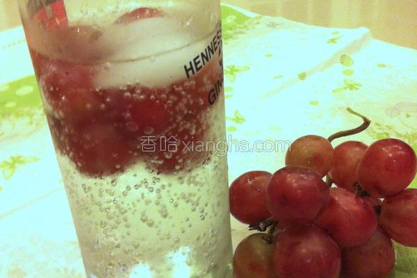 葡萄汽水的做法