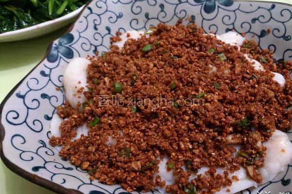 豆酥鲂鱼的做法