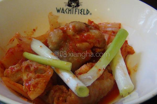 韩式泡菜炒鸡腿的做法