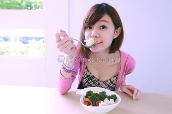 双色花椰菜饭的做法