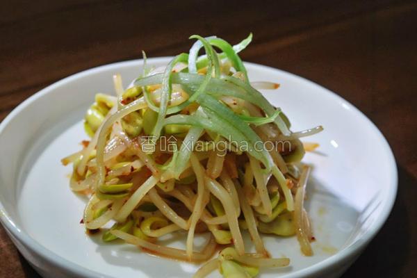 餐桌韩式凉拌豆芽的做法