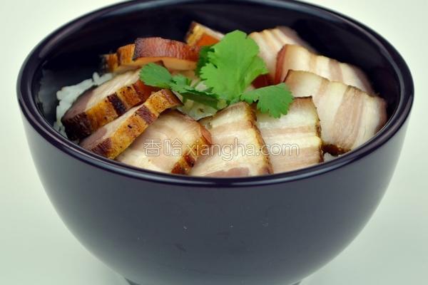 烟燻腊肉饭的做法