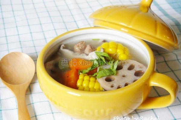 莲藕玉米排骨汤的做法