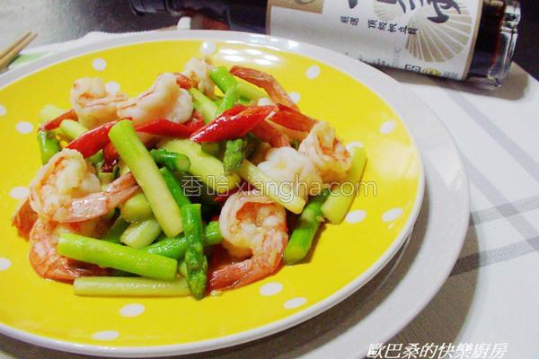 芦笋炒鲜虾的做法