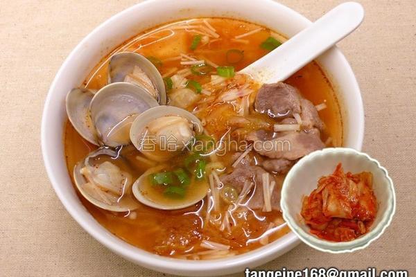 泡菜金针菇蛤蜊汤的做法
