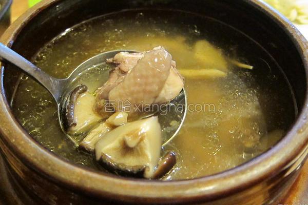 陶锅香菇鸡汤的做法