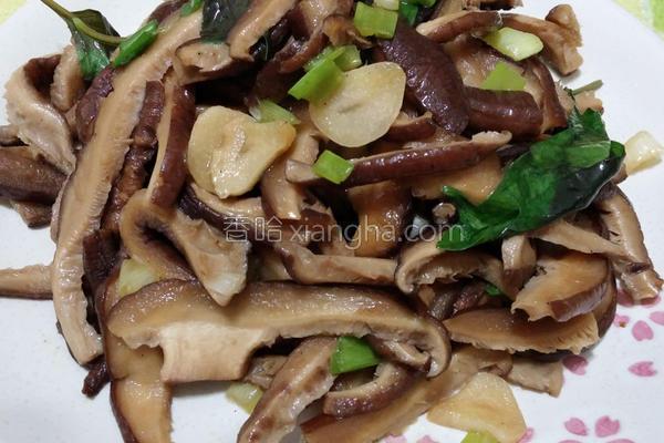 蚝油九层塔炒香菇的做法