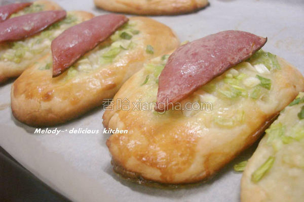 蒜香葱花火腿面包的做法