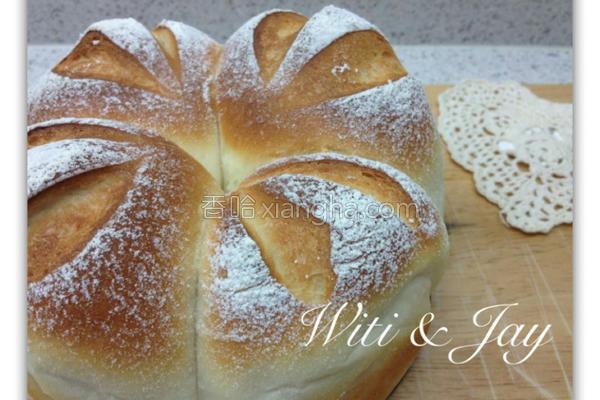 鲜奶皇冠面包的做法
