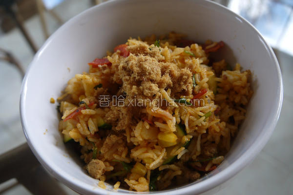 西葫芦凤梨炒饭的做法