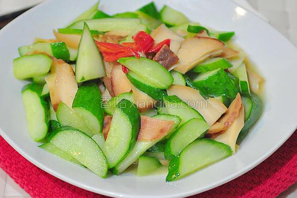清炒黄瓜鲍鱼片的做法