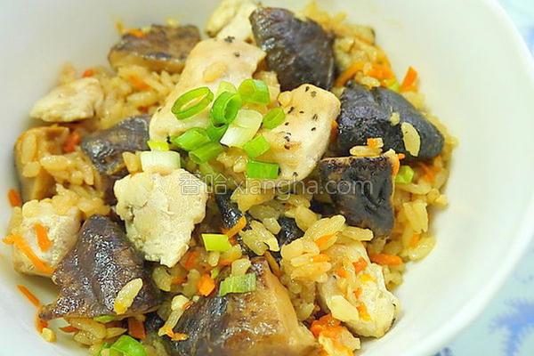 香菇鸡肉炊饭的做法