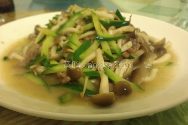 小黄瓜炒柳松菇的做法