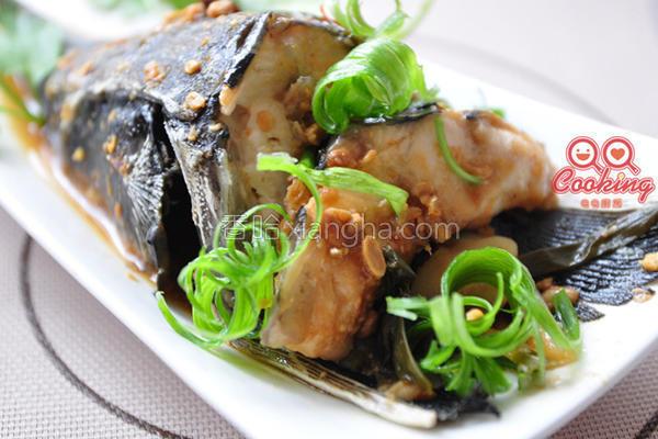 豆鼓味噌鲟龙鱼头的做法