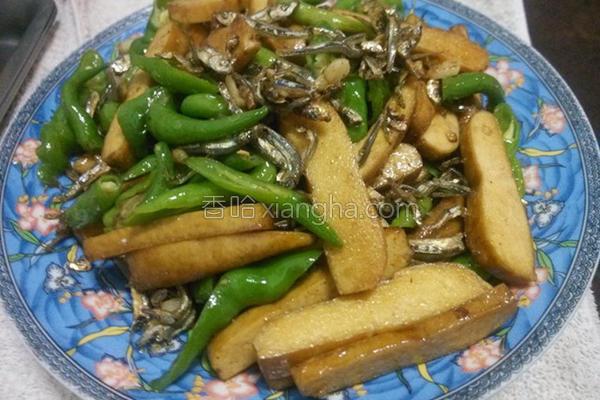 丁香豆干炒青辣椒的做法