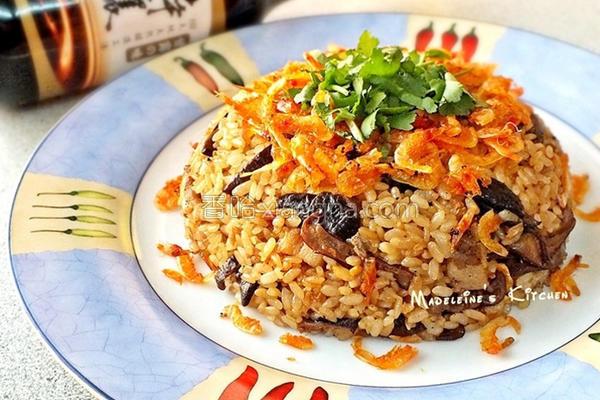 樱花虾香菇油饭的做法