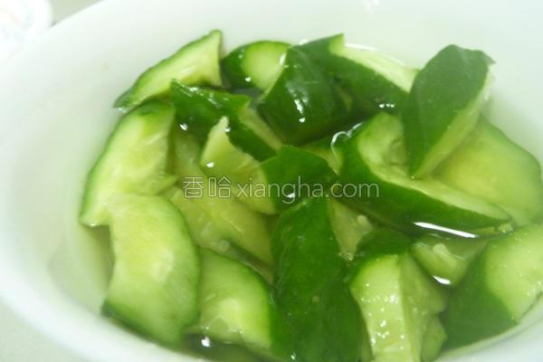 果香凉拌小黄瓜的做法