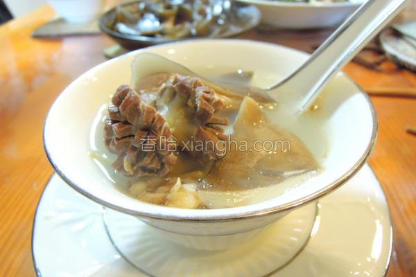 鸡胗鲍鱼菇汤的做法
