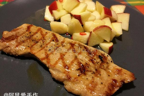 烤猪排佐苹果洋梨的做法