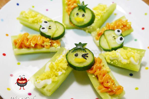 小黄瓜沙拉船的做法