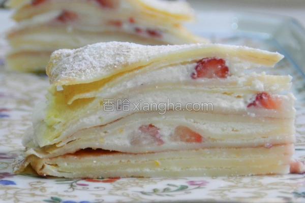 草莓岩烧千层蛋糕的做法