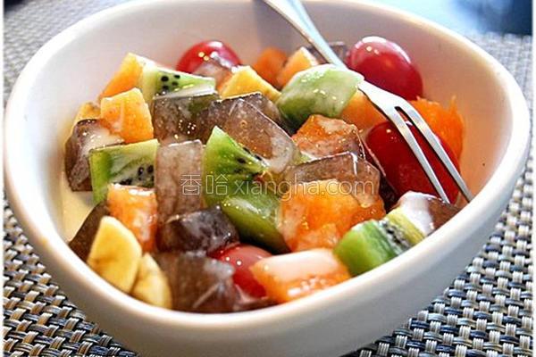 黑冻水果沙拉的做法
