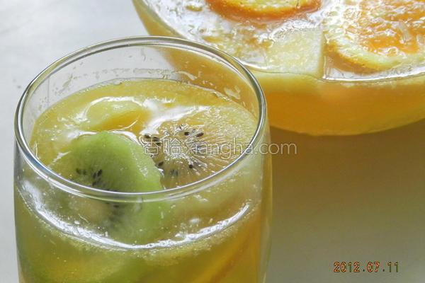 水果汽泡饮的做法