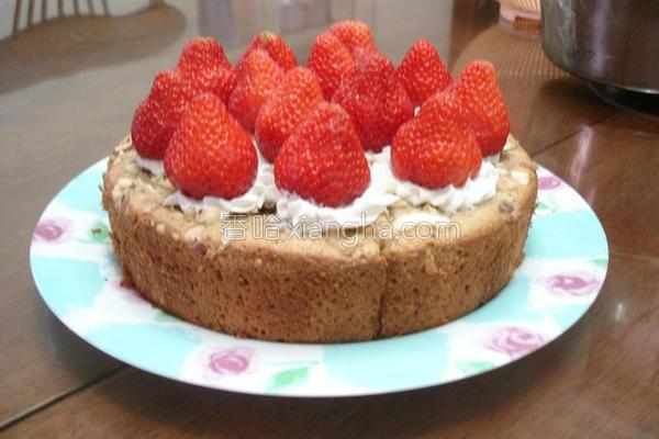 草莓香蕉蛋糕的做法