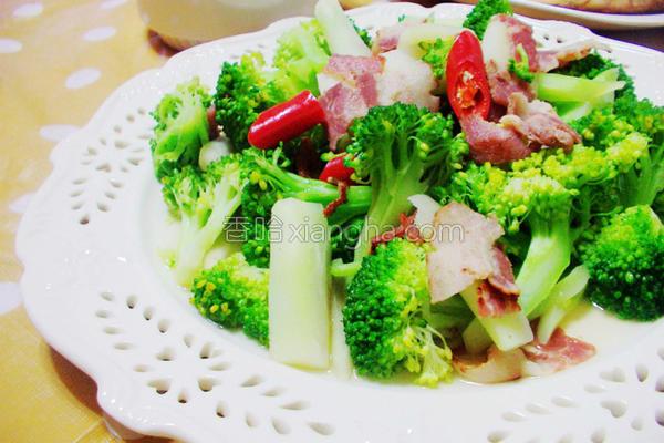 培根炒绿花椰菜的做法